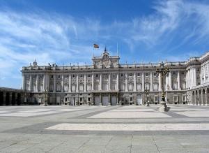 اول الاماكن السياحية في اسبانيا القصر الملكي في مدريد