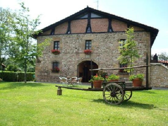 الخطوات الأولى شراء منزل في اسبانيا وتحويله إلى مشروع سياحي